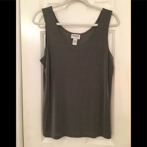 Chico's Travelers Gray Tank 2 L